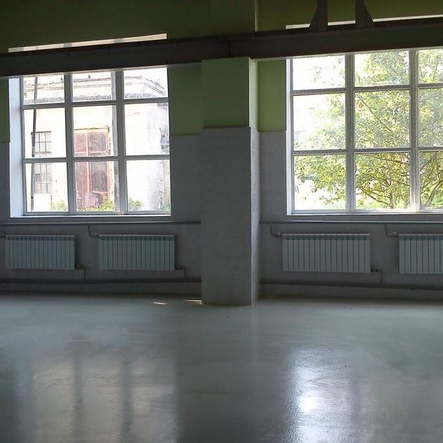 Готовая стена с окнами