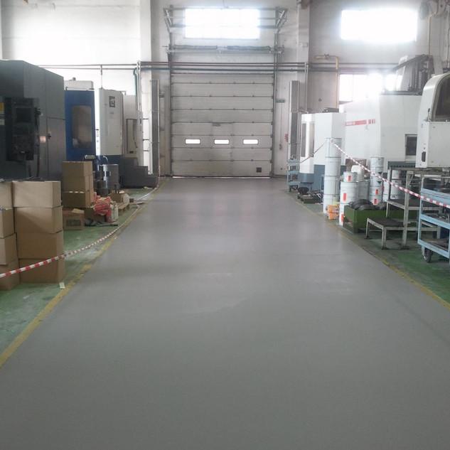 Полимерное покрытие прохода  на заводе