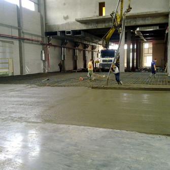 Заливка  пола бетоном в цеху ТИКО-Пластик