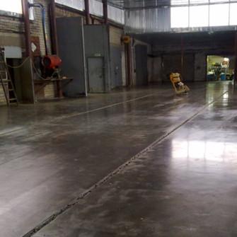 Готовый бетонный пол с упрочненным верхним слоем