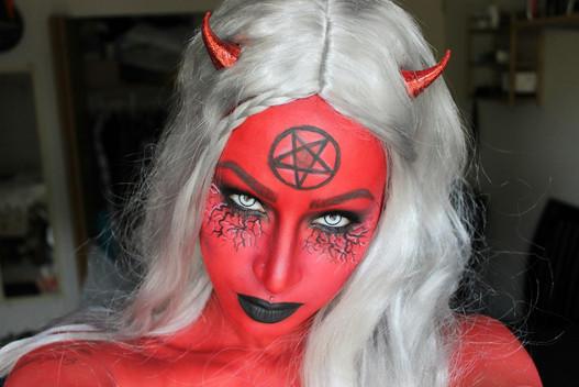 WOMEN IN THE SHAPE OF DEVIL