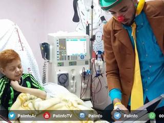 Charlie Chaplin avvistato a Gaza: clown-terapia e malati
