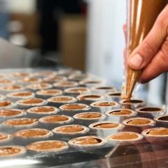 Fabrication des oeufs pralinés noisettes