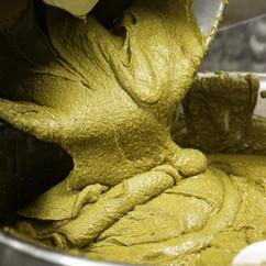 Fabrication du praliné pistache