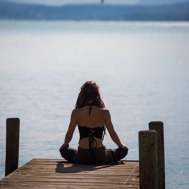 Yoga, Stille, Rückzug, Selbstfürsorge