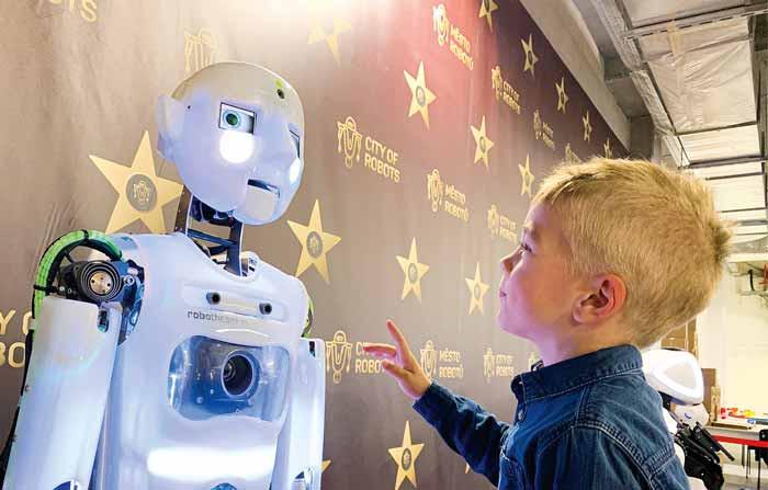 Al Bicocca Village una mostra dedicata al futuro: la Città dei Robot