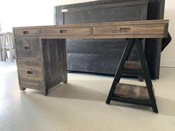 Sawhorse single ped desk