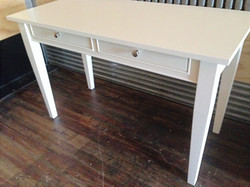 A series desk
