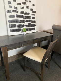 Small writing desk