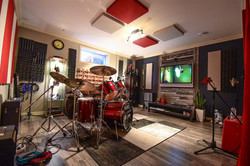 Studio B: Le salon rouge