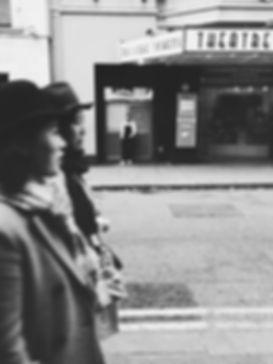 streetphotography London theatre photographed by Anja Schwenke alias PHOTO MOTIF
