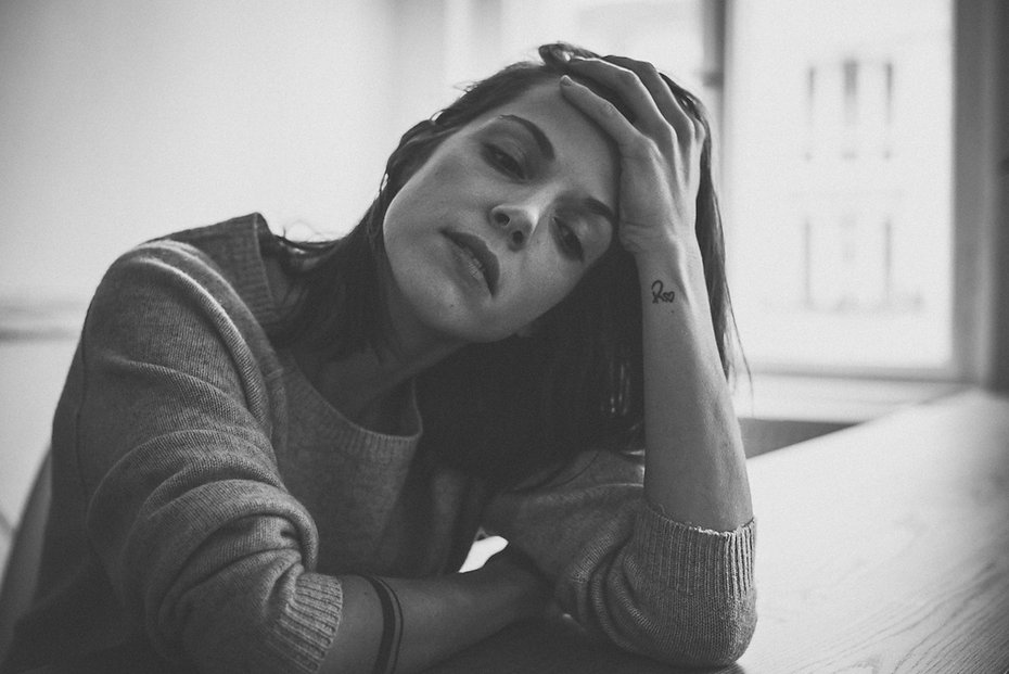 sensual - Franziska portrait photographed by Anja Schwenke alias PHOTO MOTIF