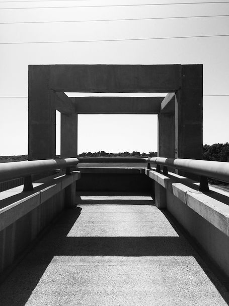 streetphotography Israel Bridge photographed by Anja Schwenke alias PHOTO MOTIF