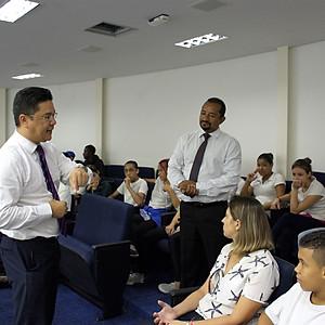 Visita dos alunos da EE Prof. Maria José Antunes Ferraz