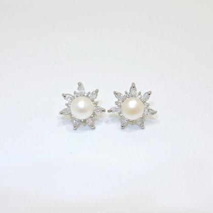 The Starburst Pearl Earring