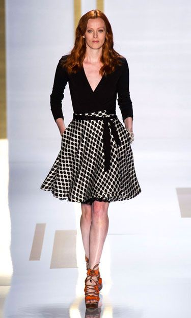 DVF--- Graphic B&W