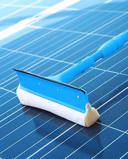 Best-ways-to-clean-solar-panels-on-your-