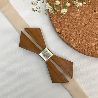 Diamond Slit Wooden Bow Tie