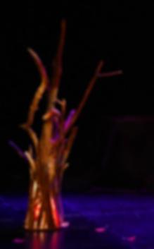Arbre-feu bleu & feuilles.png