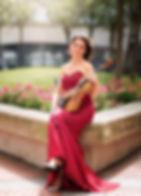 1989 hatte sie die Gelegenheit, Yehudi Menuhin vorzuspielen, der sie einlud, an seiner Akademie in der Schweiz zu studieren. Sie studierte von 1989 bis 1993 bei Yehudi Menuhin und Alberto Lysy an der Internationalen Menuhin Musik Akademie Gstaad. Danach besuchte sie Meisterkurse bei bekannten Persönlichkeiten wie Ruggiero Ricci, Pierre Amoyal, Igor Oistrach, Corrado Romano uva.