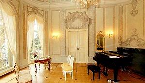 Gohlinger Schlösschen - Schlosskonzerte,  Trio Lirico ( Franziska Pietsch - Violine, Sophia Reuter - Viola, Johannes Krebs - Violoncello) in Concert