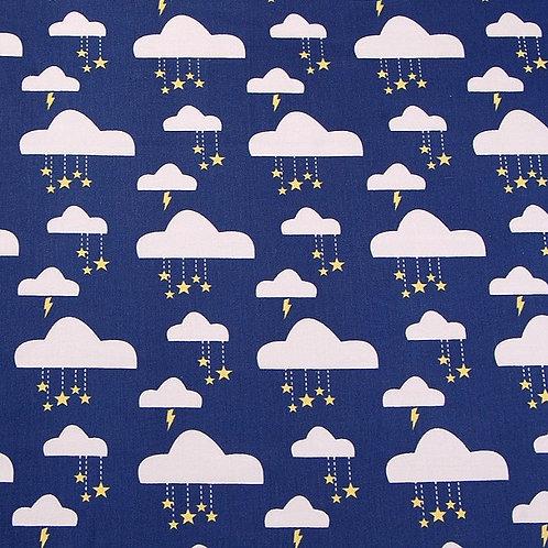 Sarga nubes, estrellas y relámpagos