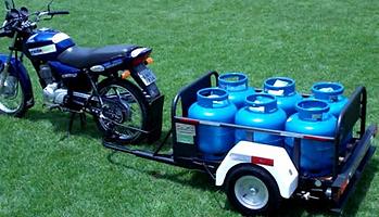 Carretinha para Moto Leva até 6 botijões P13 ou até 10 galões de água mineral de 20 litros