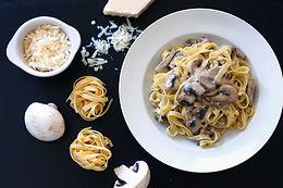 Mushroom pasta with white truffle M