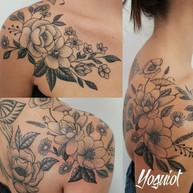 tatouage femme florale.jpg