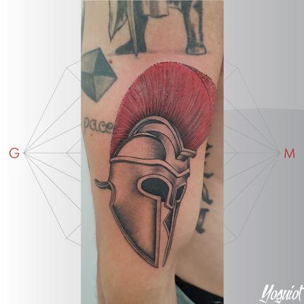 tatouage casque spartiate