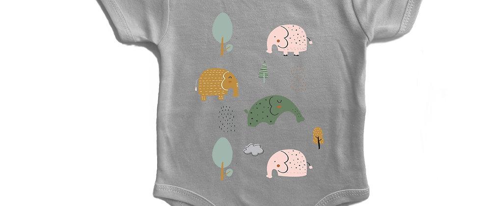 בגד גוף פילים ביער