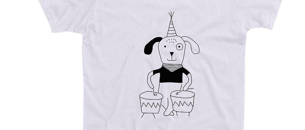 בייסיק טי כלב מתופף