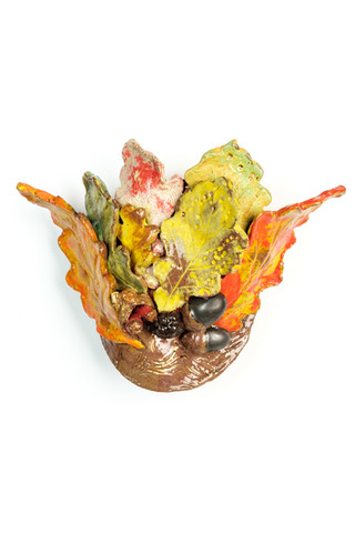 Autumn leaf and berry wall hanging 1