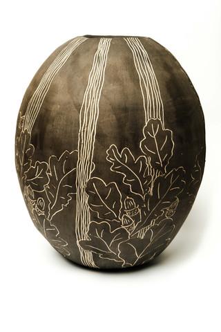 Oak leaf and acorn coil pot