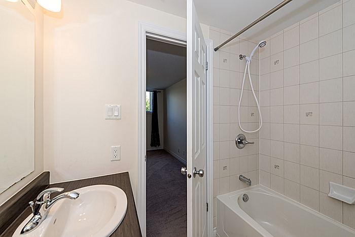 En-Suite: Bedroom 2
