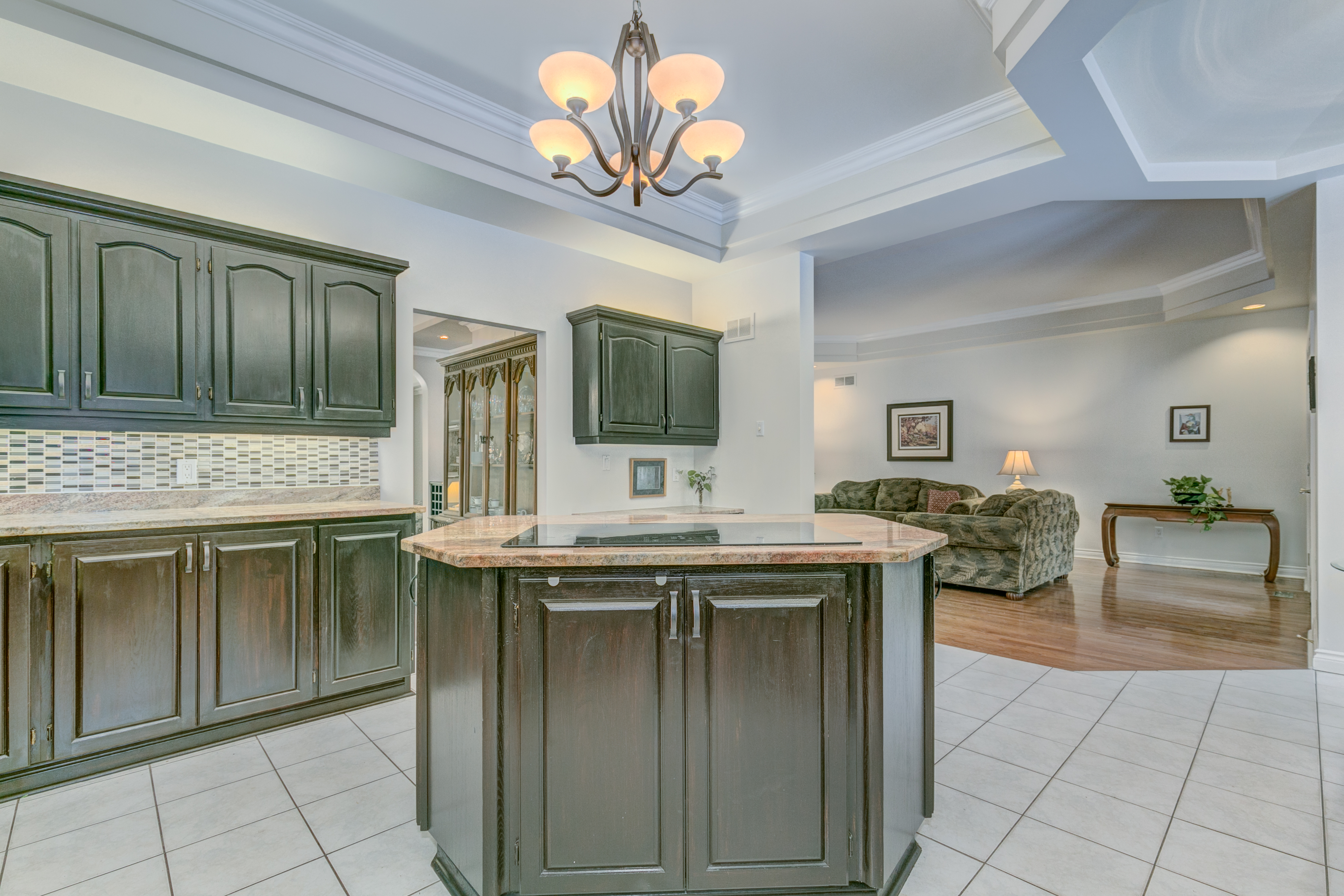 6088 Gough Kitchen