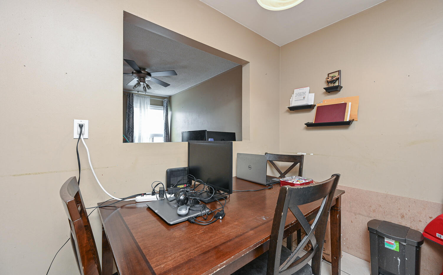 Welcome to 3415 Uplands Dr-large-012-009