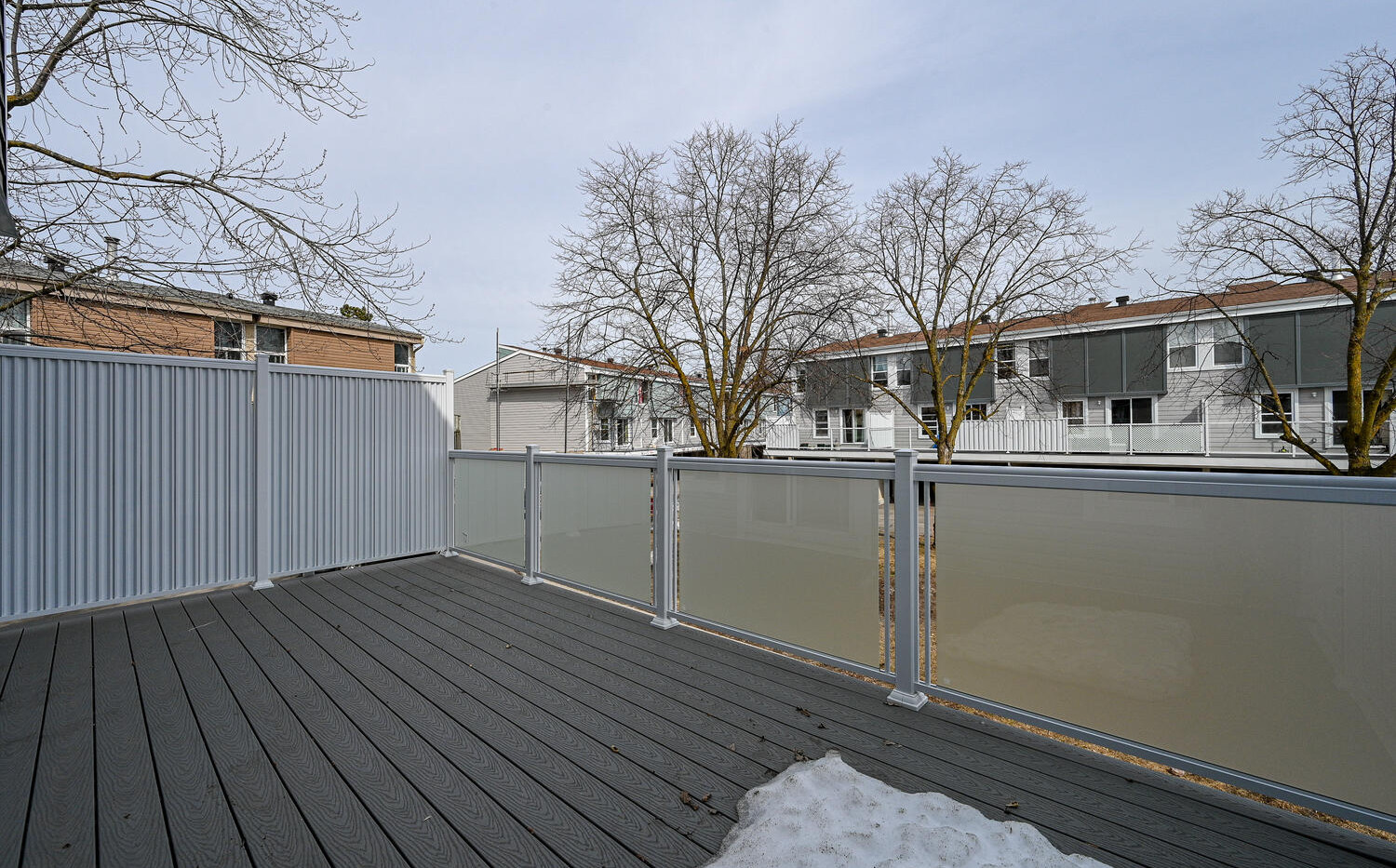 Welcome to 3415 Uplands Dr-large-022-006