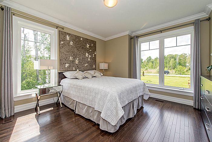 Bedroom: Main Level