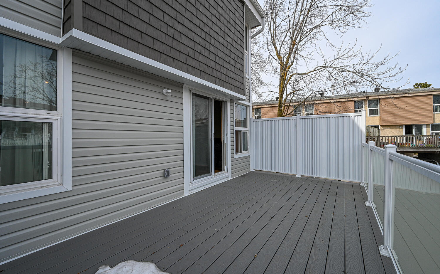 Welcome to 3415 Uplands Dr-large-023-021