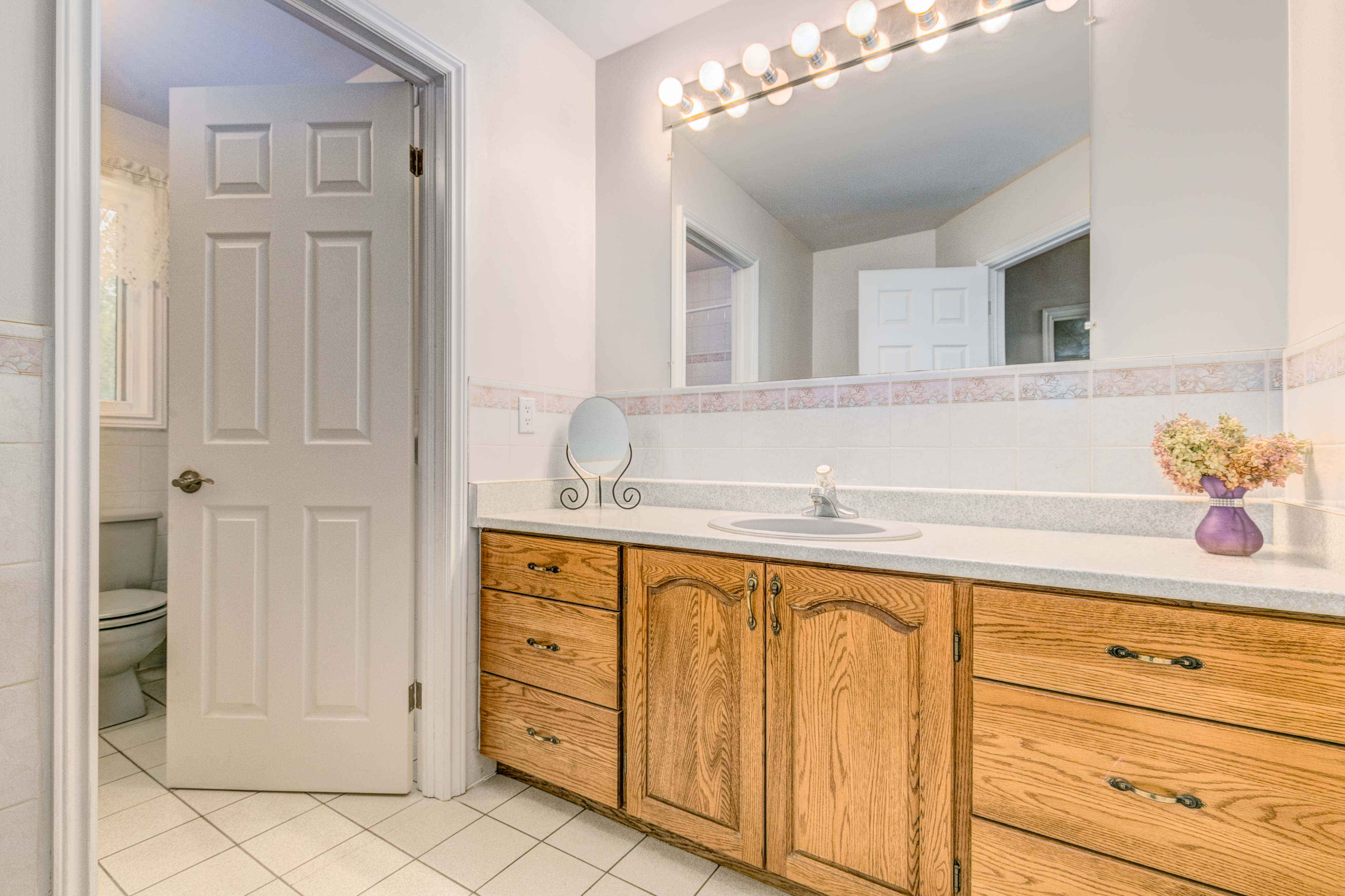 6088 Gough Main Bathroom