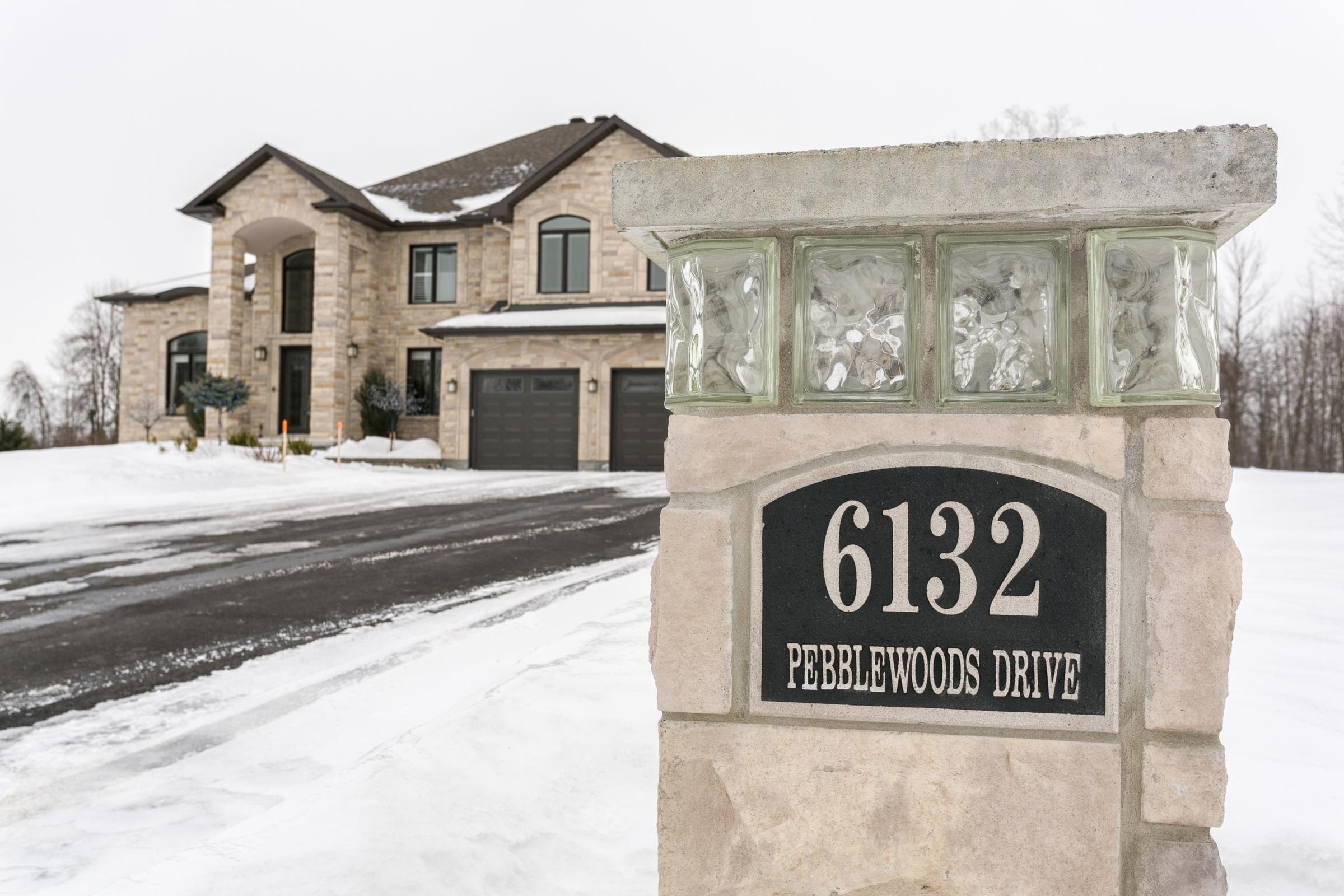6132 Pebblewoods
