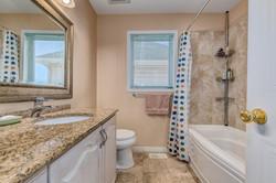 3049 Apple Hill Main Bath