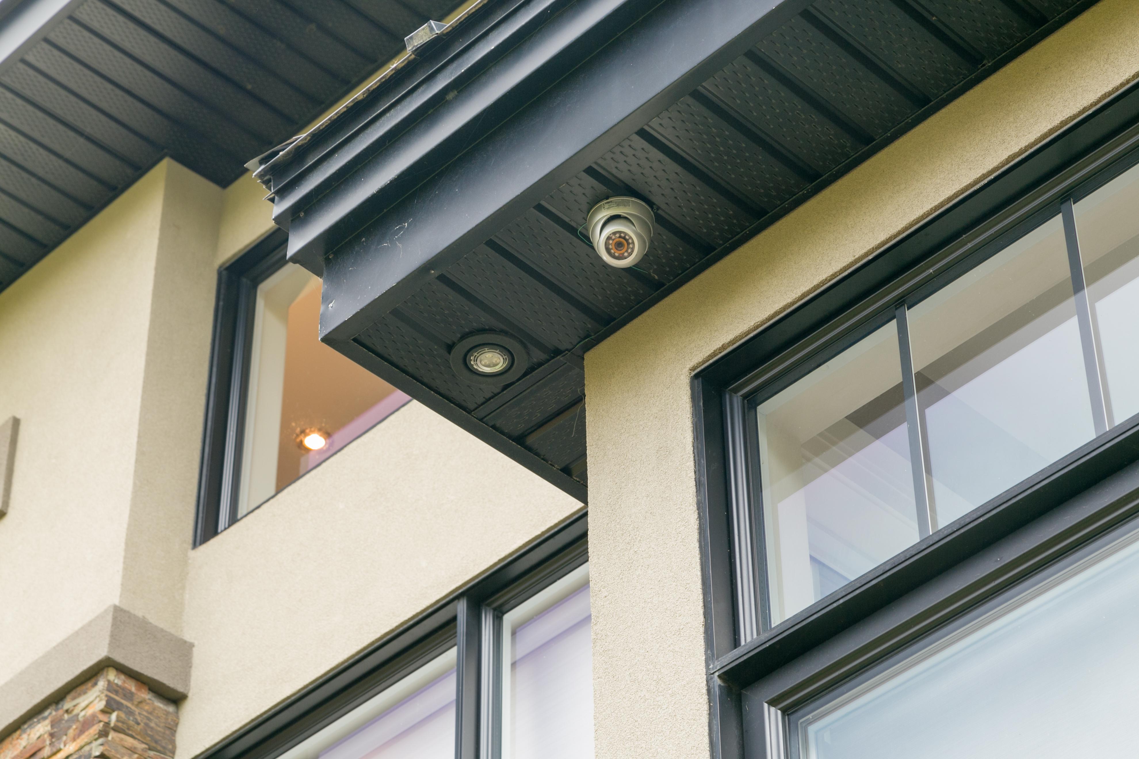 1601 Kingsdale Exterior Camera
