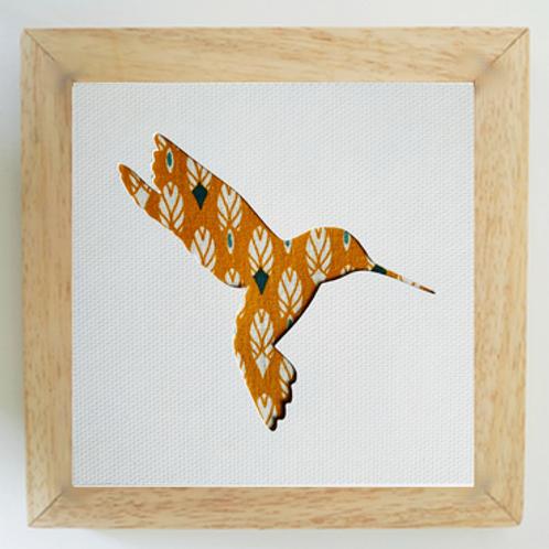 Cadre bois colibri plumes jaunes