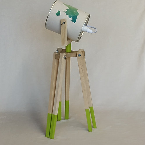 Lampe trépieds mappemonde vert anis