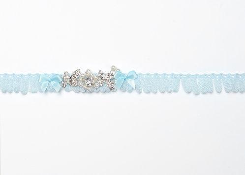 Sukkanauha kristallikorulla
