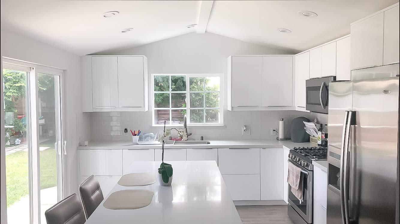 white-kitchen-white-quartz-counter-1.jpg