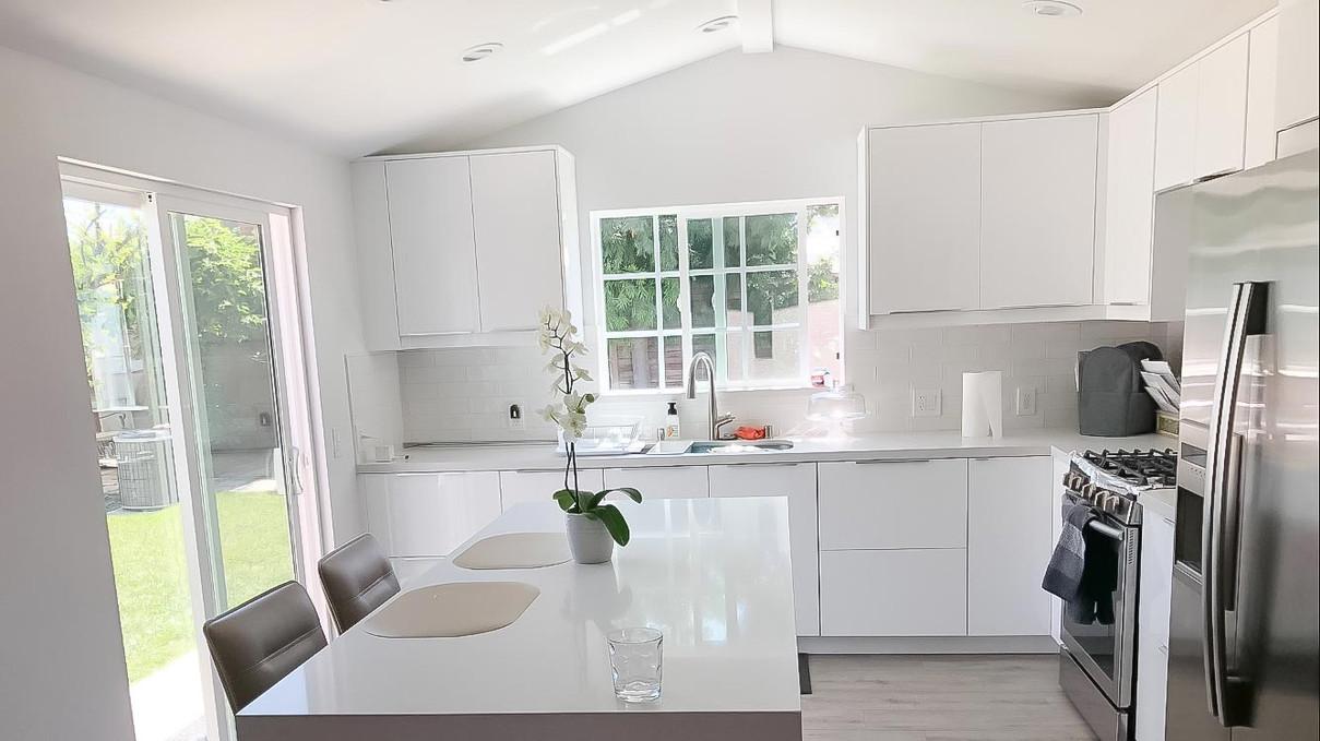 white-kitchen-white-quartz-counter.jpg