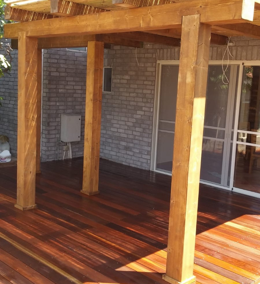 wood patio cover2.JPG